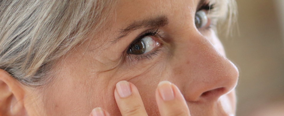 Exeter Eye symptoms eyelash problems